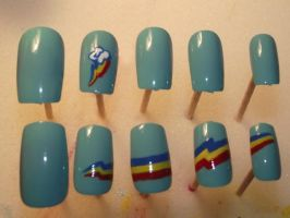Rainbow Dash Nails by Momousui