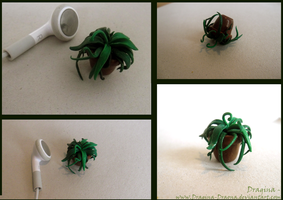 Small Pot-plant thing. by Dragina-Draona