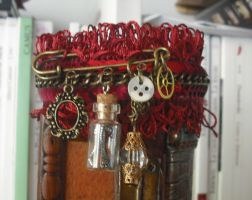 Steampunk bracelet of LadyRed by Rouages-et-Creations