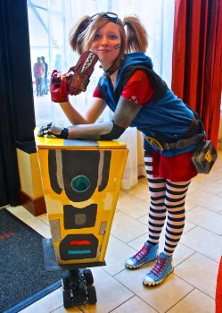 Gaige with Claptrap - Borderlands 2 by CavalierCory