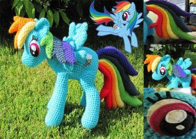 Rainbow Dash by NerdyKnitterDesigns