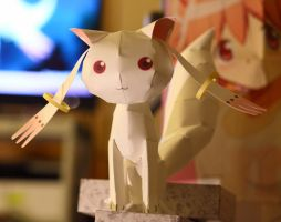 Kyubey Pepakura Cosplay Prop by AccessAccess