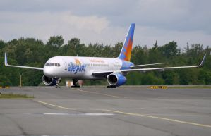 Boeing 757 Allegiant by shelbs2