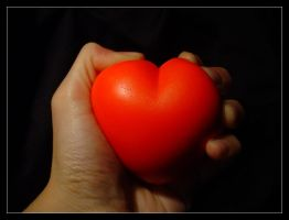 HEART to Squeeze I by Anere