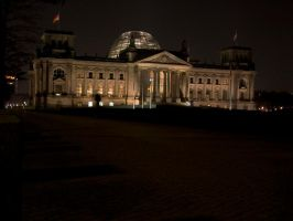 Berlin Reichstag at night by norbert911