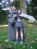 Cloud and Tifa Papercraft II by Graphite88