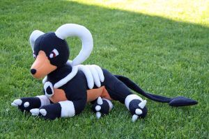 Houndoom plushie by HedaMiu
