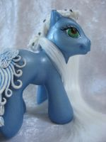 Frost Feather by assassin-kitty
