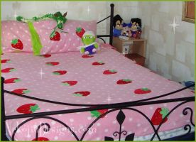 Strawberry Sweet Bed Set by nekojindesigns