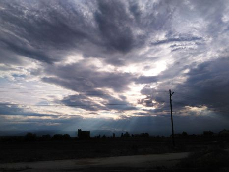 The sky today by Lucychwan