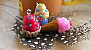 My first polymer clay's cupcakes and ice cream by arkandii