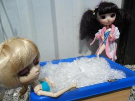 Pullip in the jacuzzi by loekie3