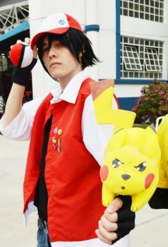 Red Cosplay - Pokemon Adventures by thynz