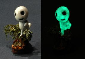 Glowing kodama by DannArte