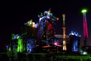 Industry by night by FlWeyand