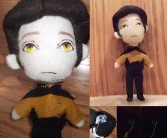 Star Trek Data Plushie by duyeqing