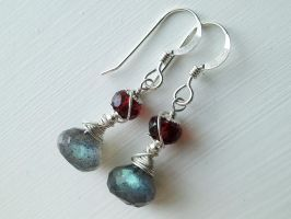 Labradorite and Garnet Silver Earrings by QuintessentialArts