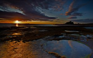 Bamburgh Dawn by lifecapture