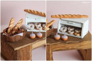 Miniature breads and cakes. by Aiclay