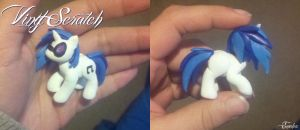 Vinyl Scratch Sculpture 2.0 by Eneha