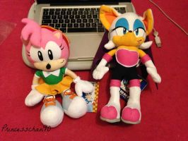 Plushies! Rouge and Amy by princesschan90