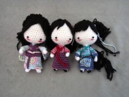 ArtTrade: Traditional clothing dolls by Yuki87