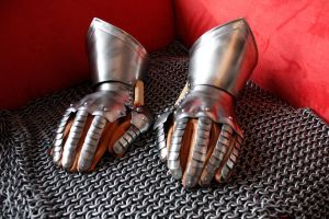 15th century gauntlets by reHannukainen