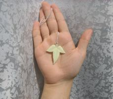 Mallorn tree leaf pendant by articraft