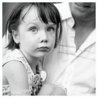 Little Girl, Ofena by PicTd