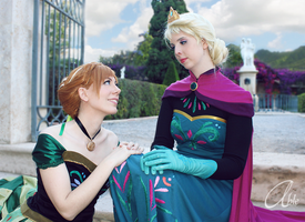 Cosplay: Love of sisters by Abletodoall