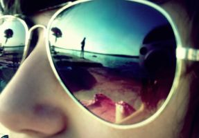 beach in shape of sunglasses by caatch