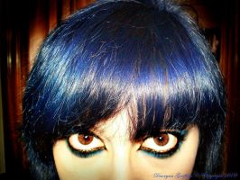 Blue hair, Deep eyes.. by Daoryan