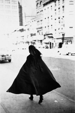 Saul Leiter - Early Black and White by Batsceba