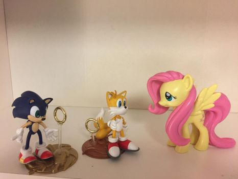 Sonic and Tails and Fluttershy action figures by darthraner83