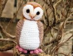 Cute little crocheted Barn Owl by kaelby