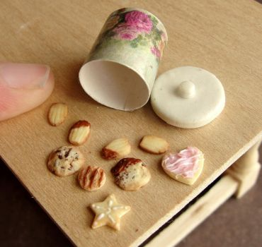 1:12 Scale Cookie Variety by fairchildart