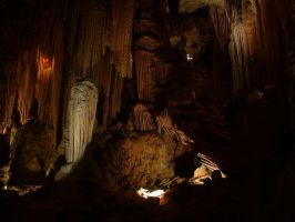Luray Caverns 02 by kriegs