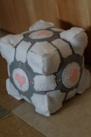 Plush Companion Cube by medievalfaery