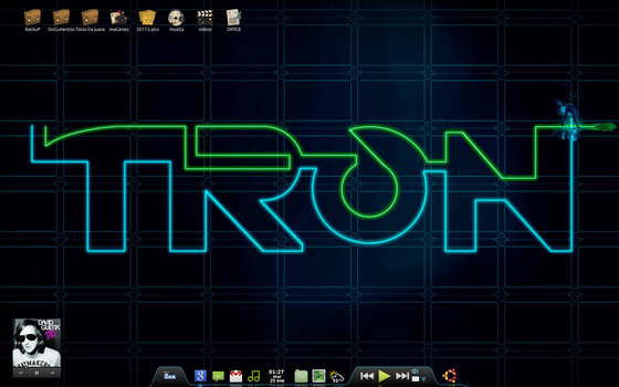 Tron Desktop by TheHipsterkiD