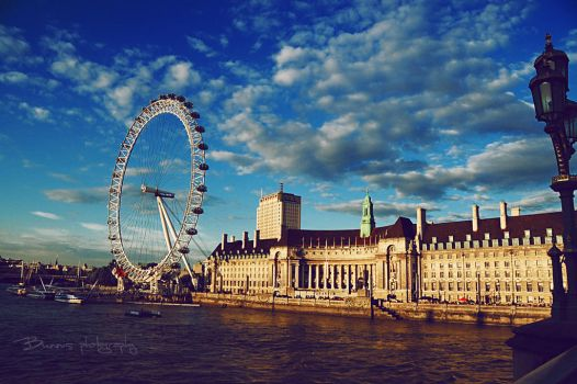 The river Thames. by Bunnis