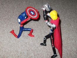 CAPTAIN AMERICA AND THOR BATTLE SCENE in wire by TheWallProducciones