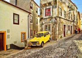 Coimbra in yellow by Borymir