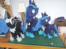 commisions by SwiftStitchCreations