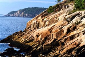 Typical Maine Coast rocks by davincipoppalag