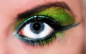 Green and blue makeup by EmiliaLingvald