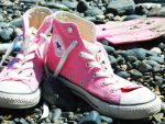 pink converses by RubiiRoo