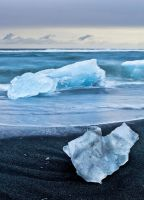 Jokulsarlon Beach by cwaddell