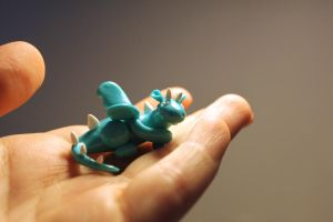 Miniature dragon minty blue and white by Guvy