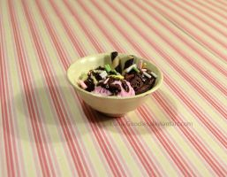 Miniature ice cream bowl by Luna-Goodies