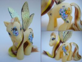 Custom OOAK MLP Honeycomb by eponyart